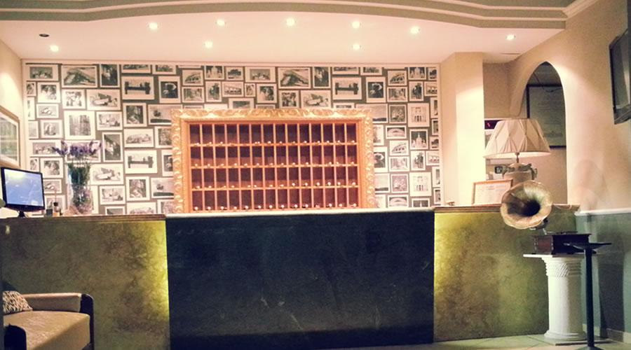 Hotel-Innocenti-Slider-1